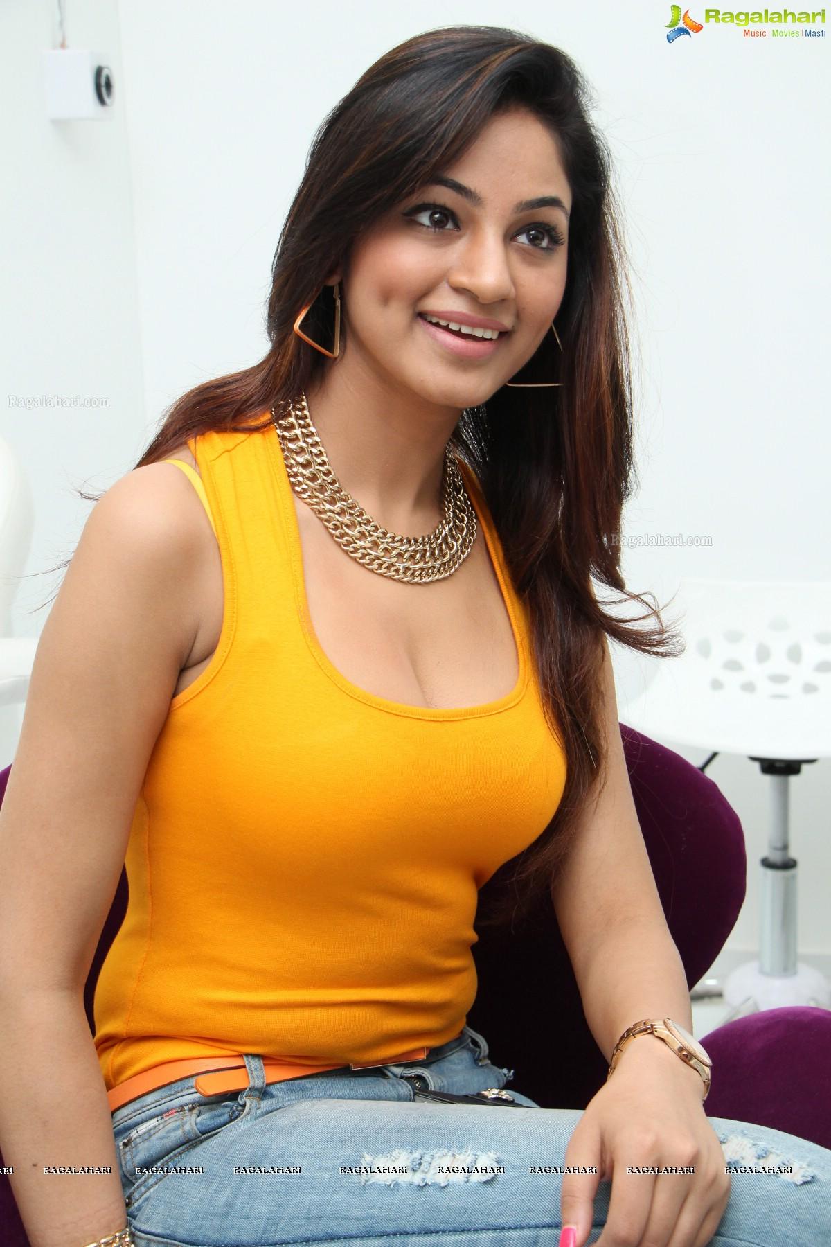 Watch Shilpi Sharma video
