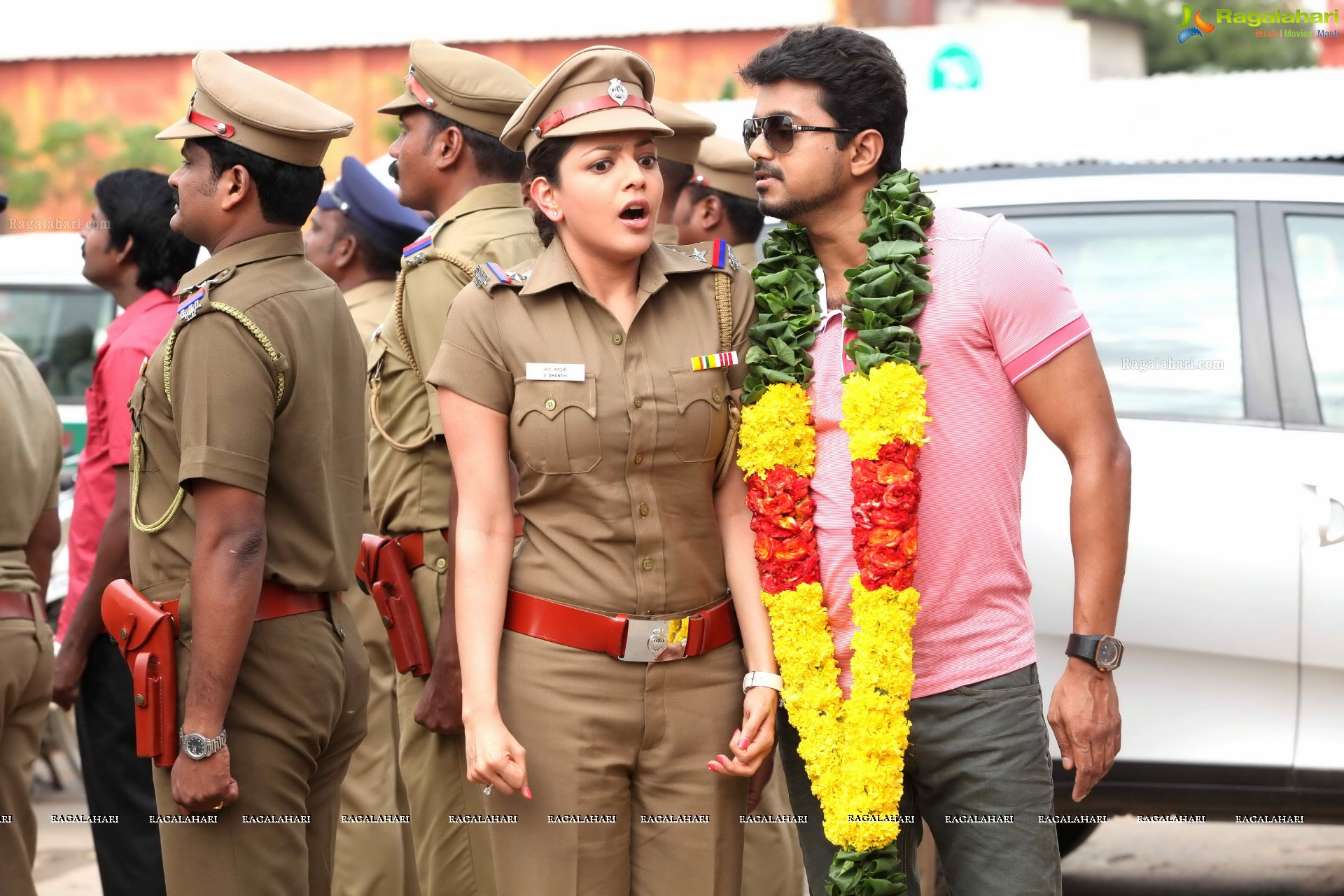 Jilla high definition movie stills ilayathalapathy vijay kajal jilla vijay kajal jilla vijay kajal altavistaventures Choice Image