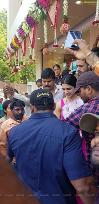 Samantha Launches Kisan Fashion Mall in Kamareddy
