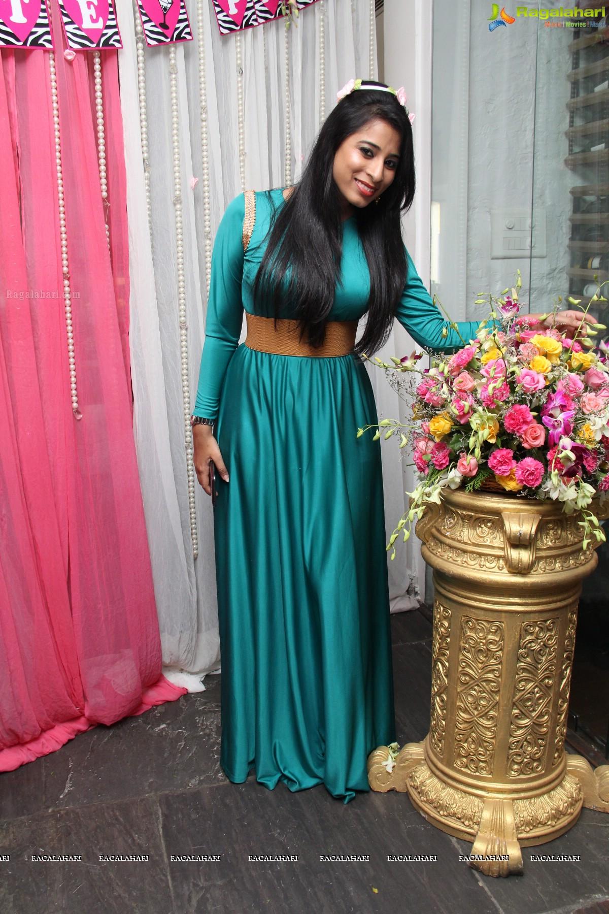 Ziemlich Bachelor Party Kleid Fotos - Brautkleider Ideen ...