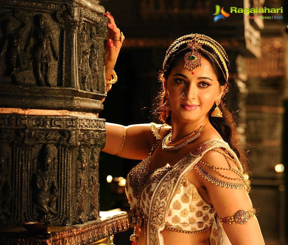 Rudhramadevi grand release on October 9