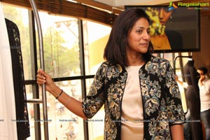 Encrustd Exhibition by Deepa Chikarmane