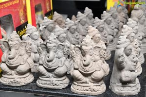 Celebrity Secrets to Distibute Eco-Friendly Ganesh Idols