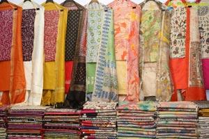Aafia Bhardwaj inaugurates Indian Silk Expo