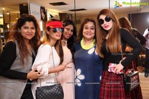 Salon Party Manisha Kapoor The Glaze and Gloss