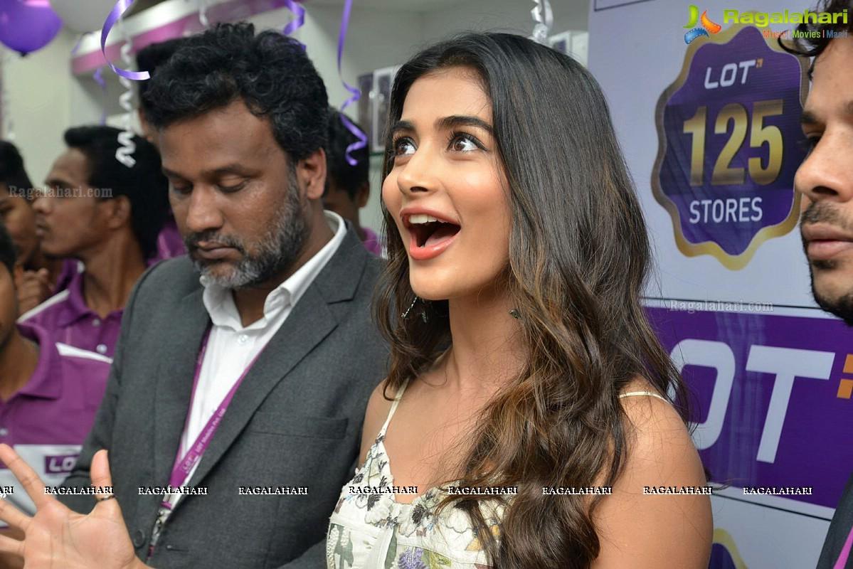 DJ heroine Pooja Hegde launches Lot Mobile Store in Vijayawada