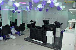 Manjari Phadnis Naturals Salon