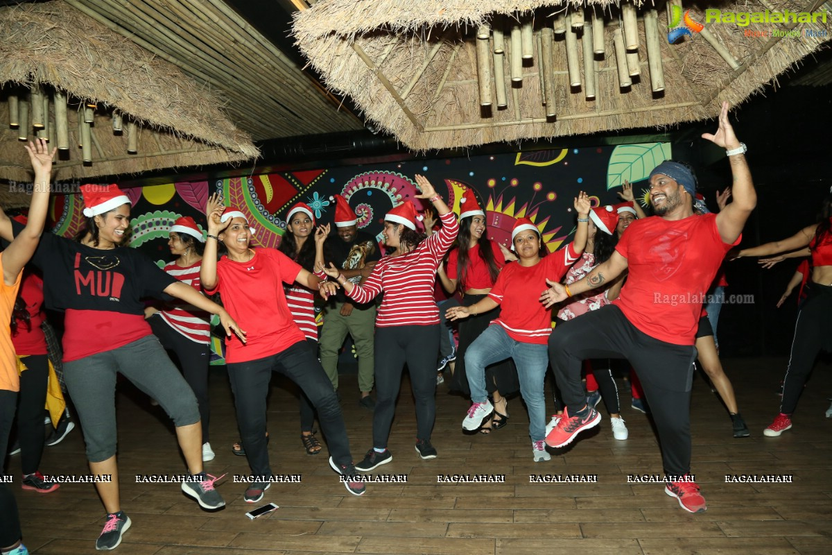 Zumba Christmas Party Images.Zumba Christmas Party At Calangoat Jubilee Hills Photos