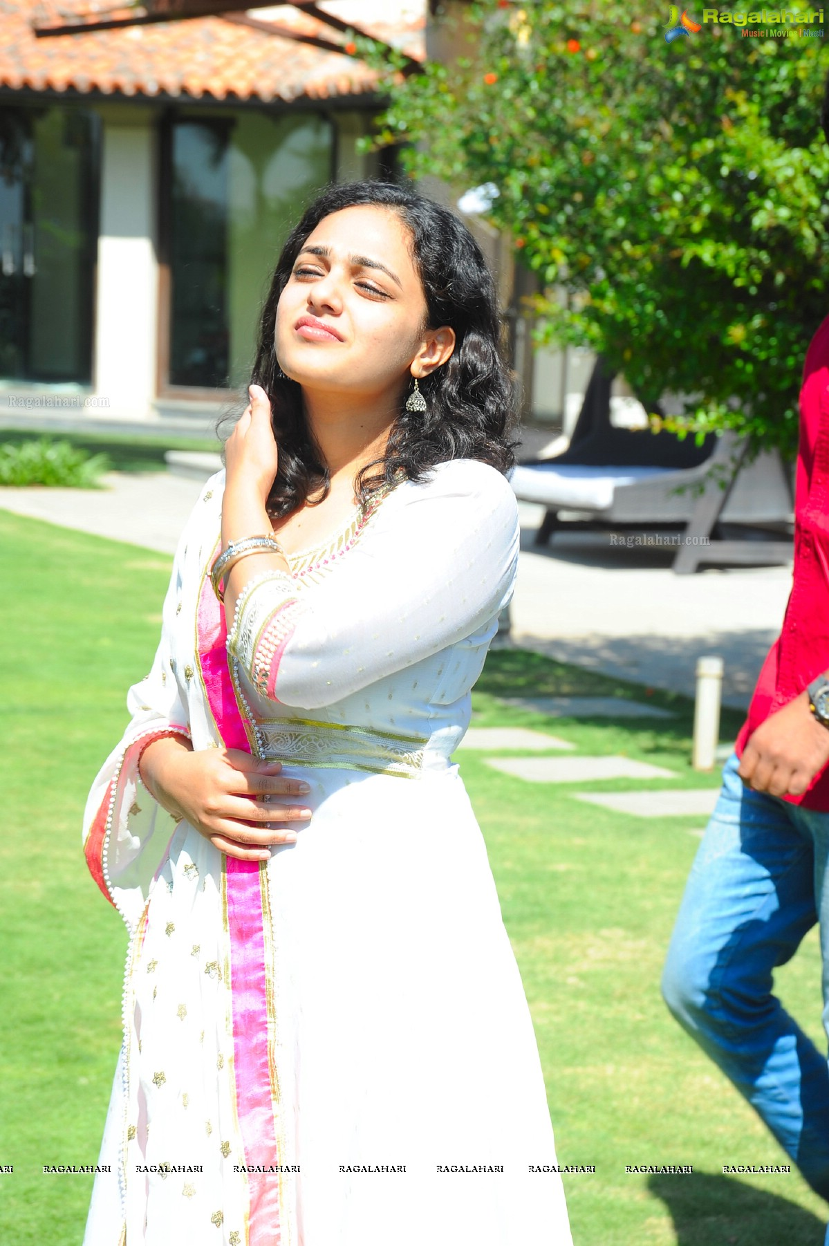 nithya menen image 56   telugu actress hot photos,stills, heroines