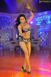 Veena Malik Red Mirchi