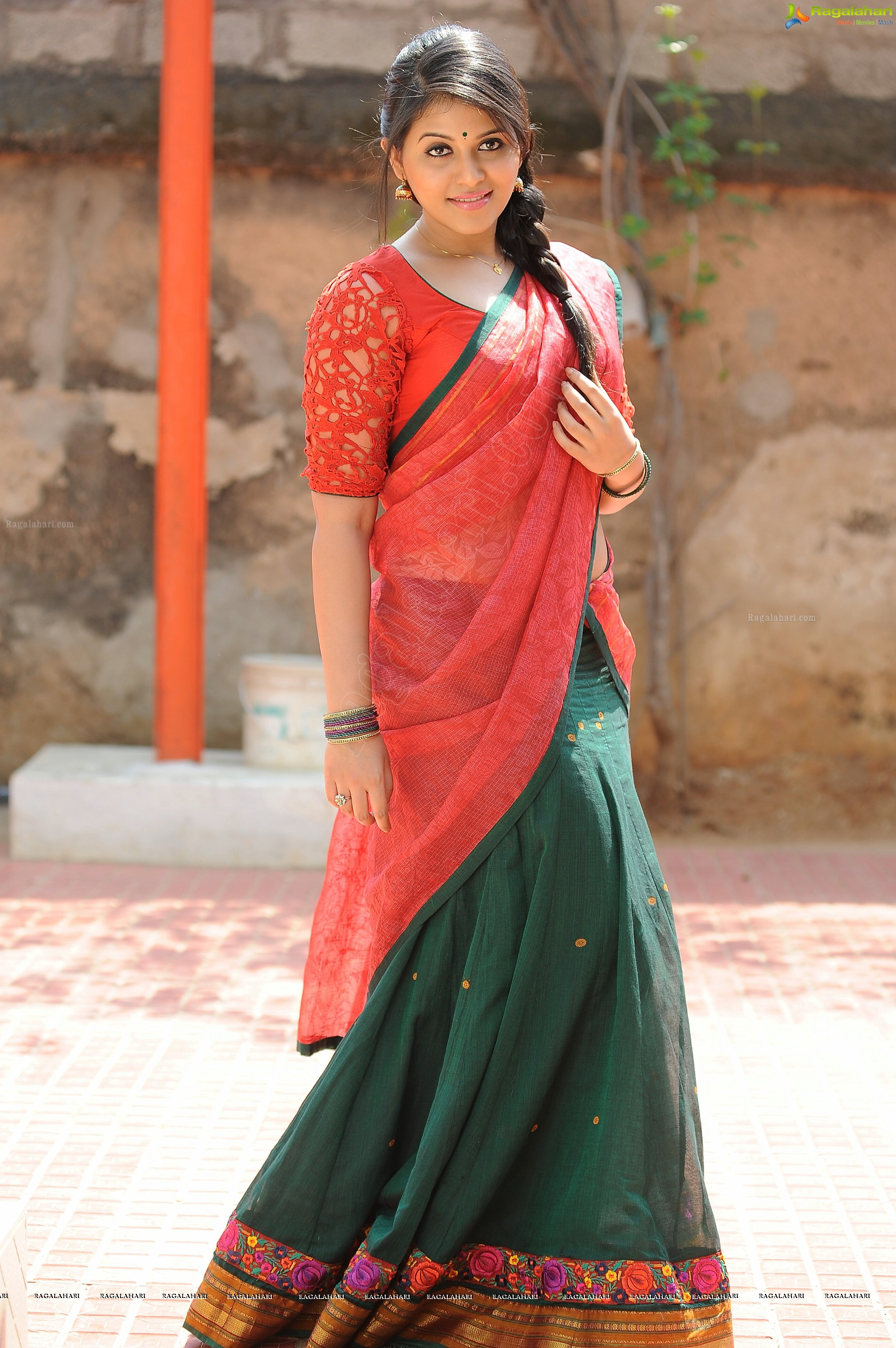 Anjali High Definition Image 100 Tollywood Heroines Photos