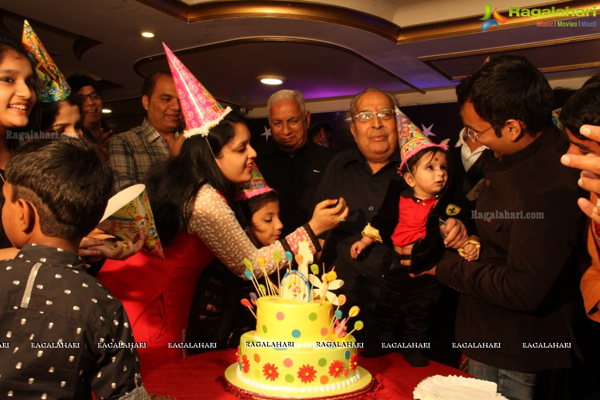 Exclusive coverage vihaan 1st birthday celebrations - Miton cucine forum ...