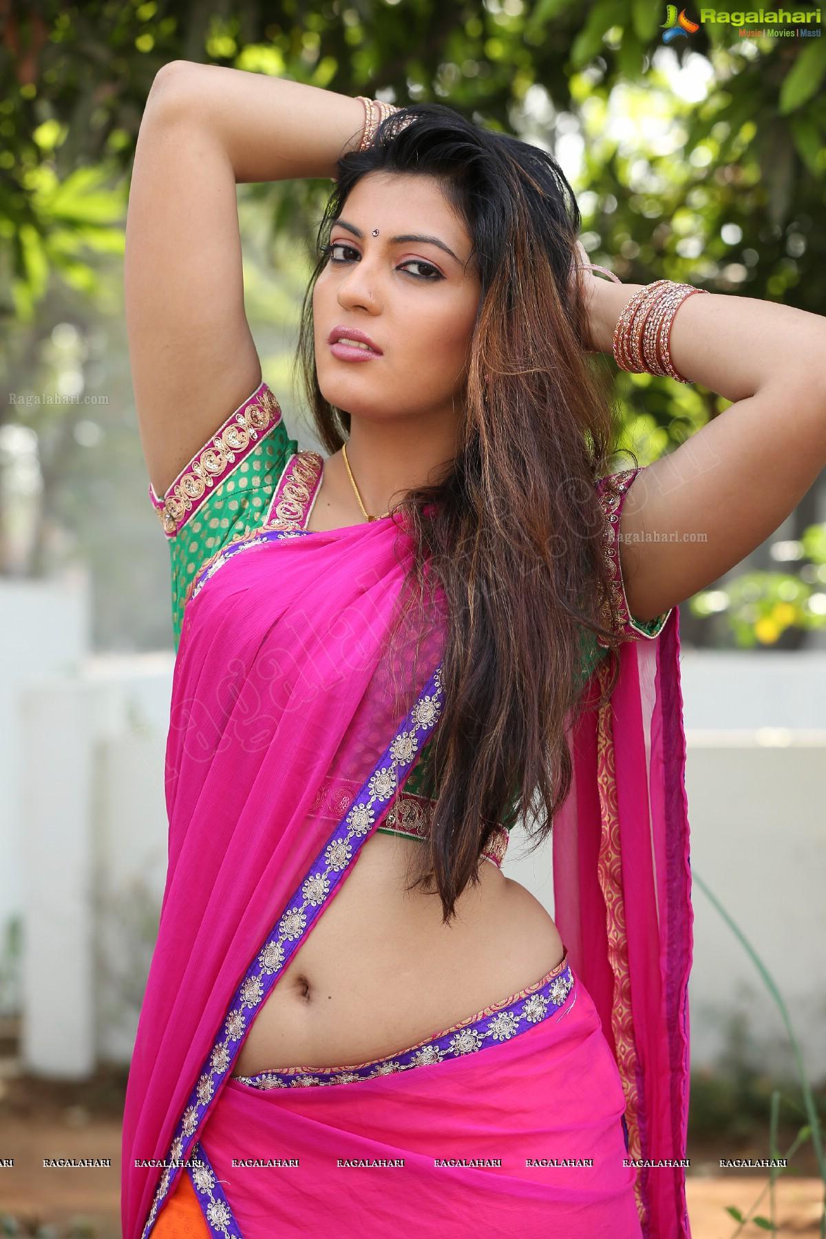 sufi sayyad spicy hot actress hot saree hot navel hot cleavage