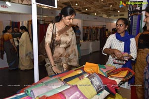 Aakruti Vastra - The Handloom Exhibition