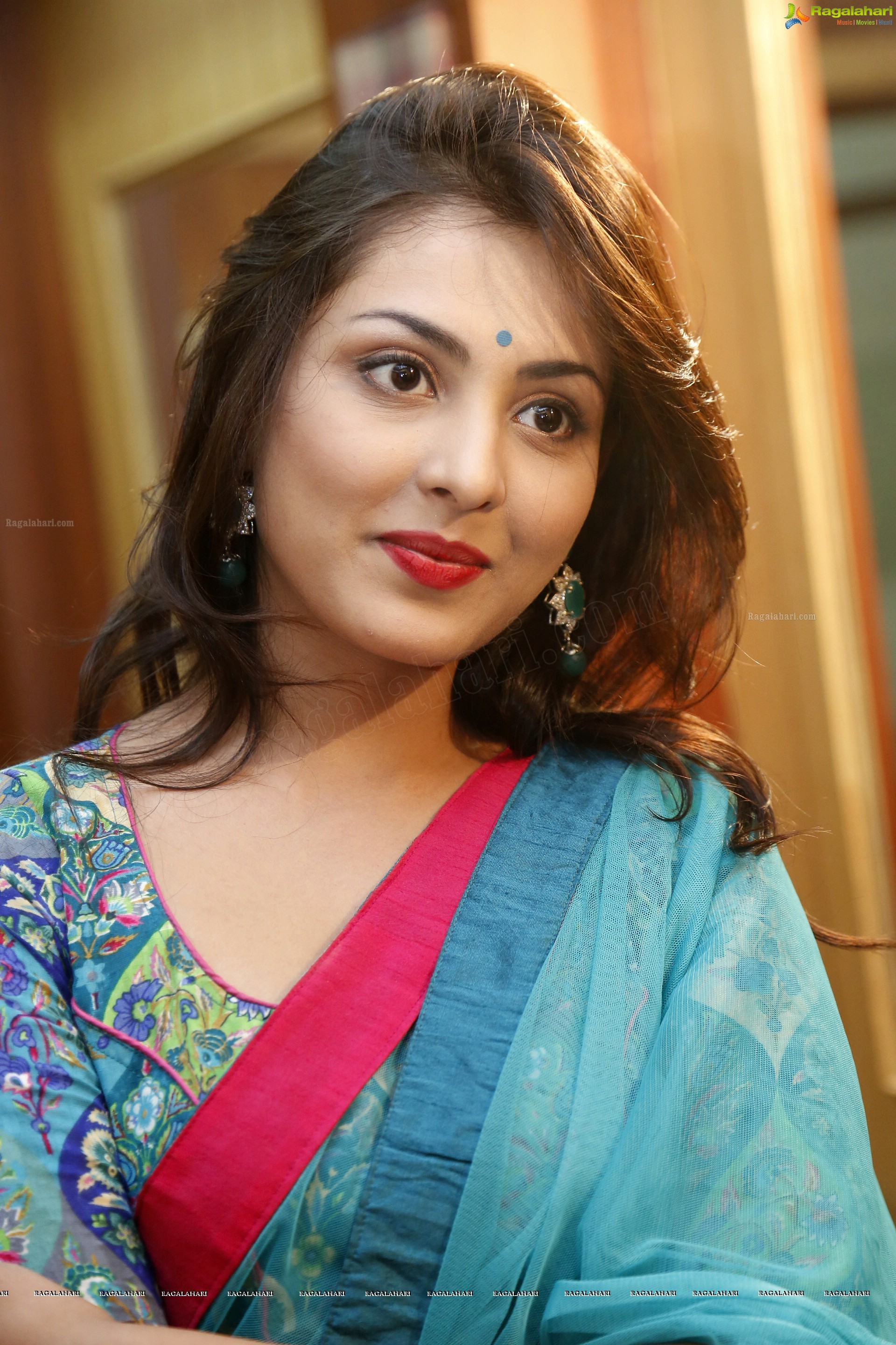 Watch Madhu Shalini video