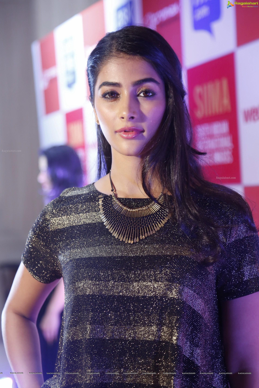 pooja hegde (high definition) image 4 | telugu actress hot photos