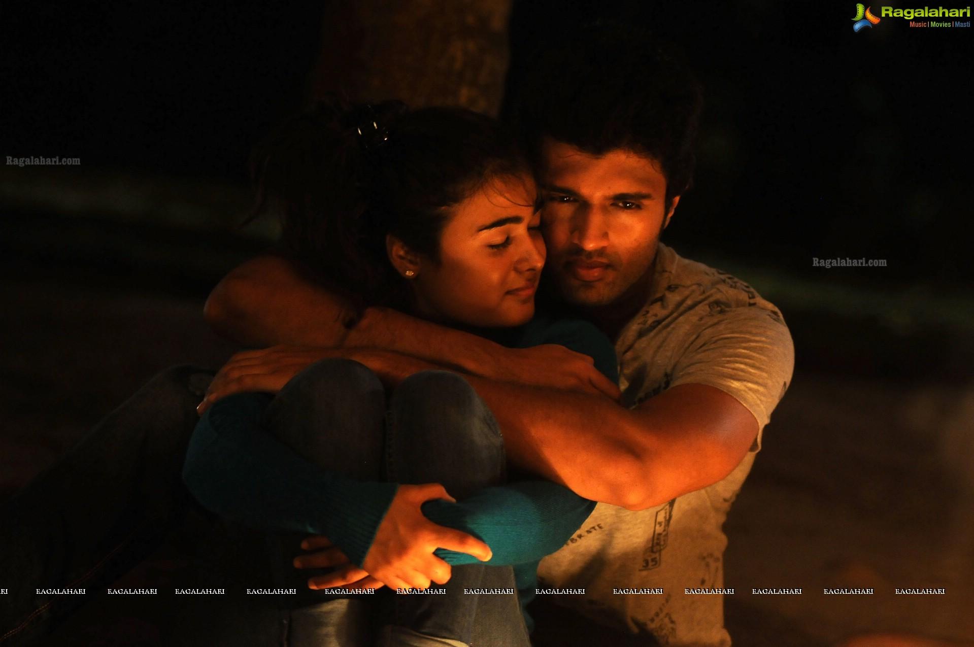 Arjun Reddy Telugu Cinema Stills Devarakonda Vijay Sai