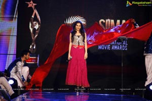 Hot and Spicy SIIMA 2012 Fashion Show