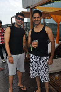 Photos of Sundown Monsoon Rain Dance Party at Aqua