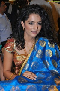 Ruhi Chaturvedi at CMR Aashadam Sale Launch