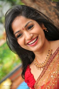 Madhavi Latha at National Silk Expo
