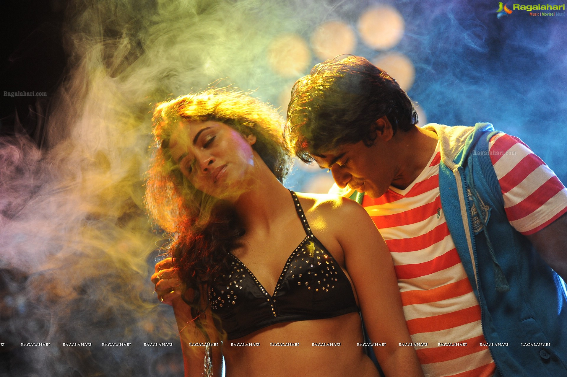 Love Cycle Movie Stills Wallpapers 12