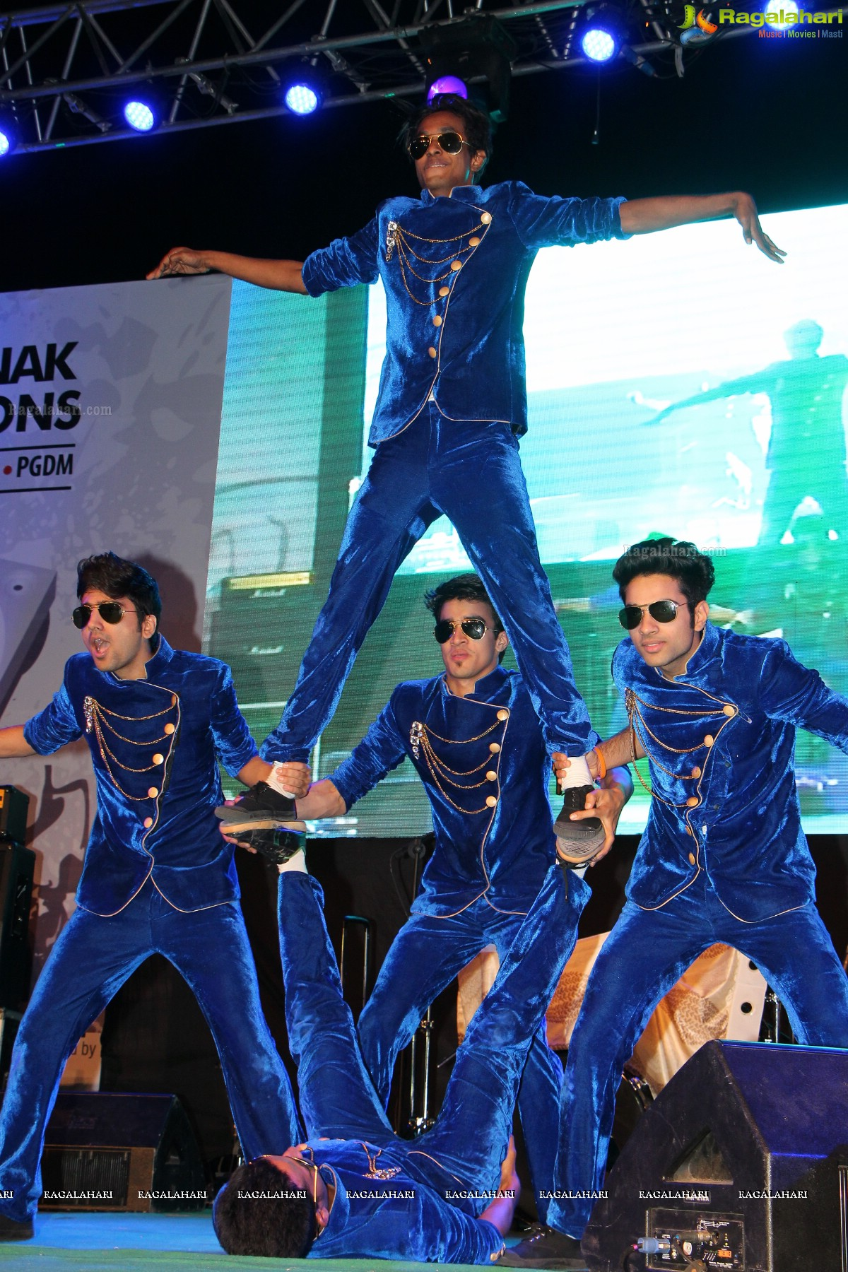 Exclusive Coverage: Live Wire 2K14 at Guru Nanak Institutions ...