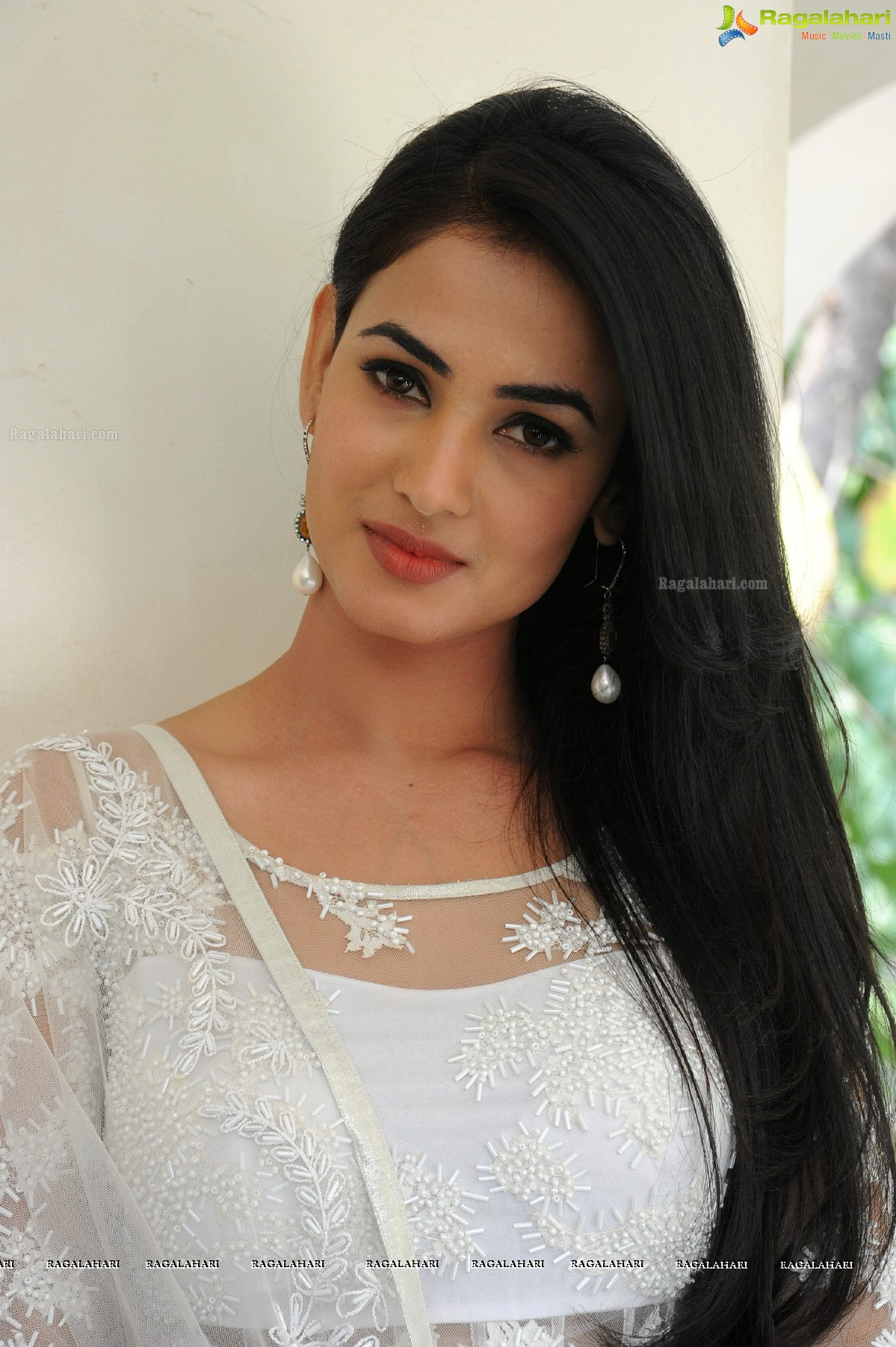 sonal chauhan image 23 | telugu heroines posters,images, photos