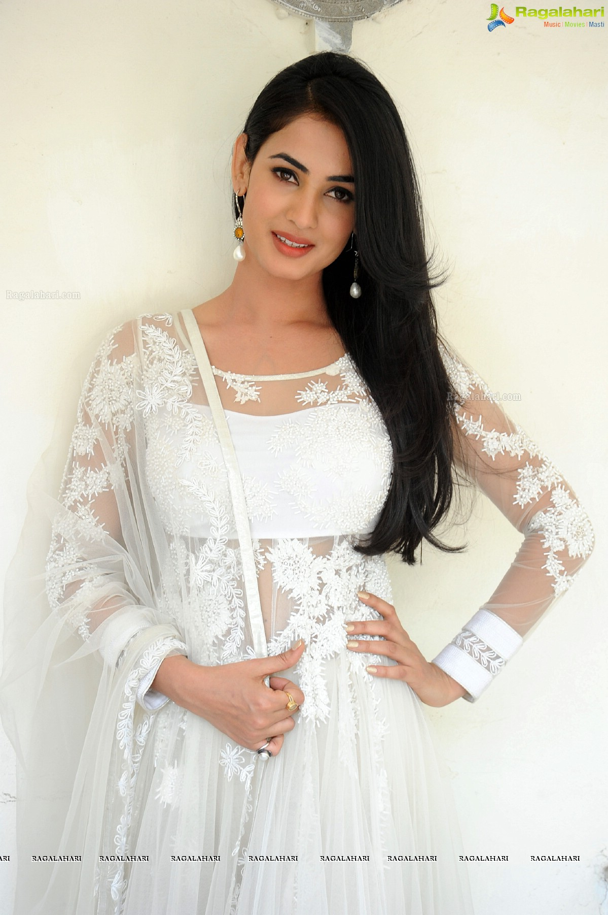 sonal chauhan image 45 | telugu actress wallpapers ,images, photos