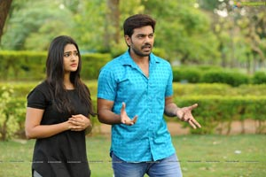 Bichagada Majaka Movie Stills