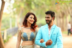 M6 movie gallery