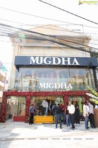 Samantha Unveils Mugdha Flagship Store