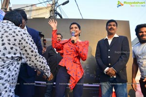 Samantha Launches Samsung S10e Mobile At Big C
