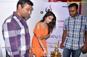 Madhurima launches Healthy Curves