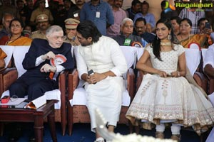 Allu Arjun gets a grand welcome in Mallu land