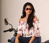 Lisaa - Cast: Anjali, Brahmanandam, Makrand deshpande Photos
