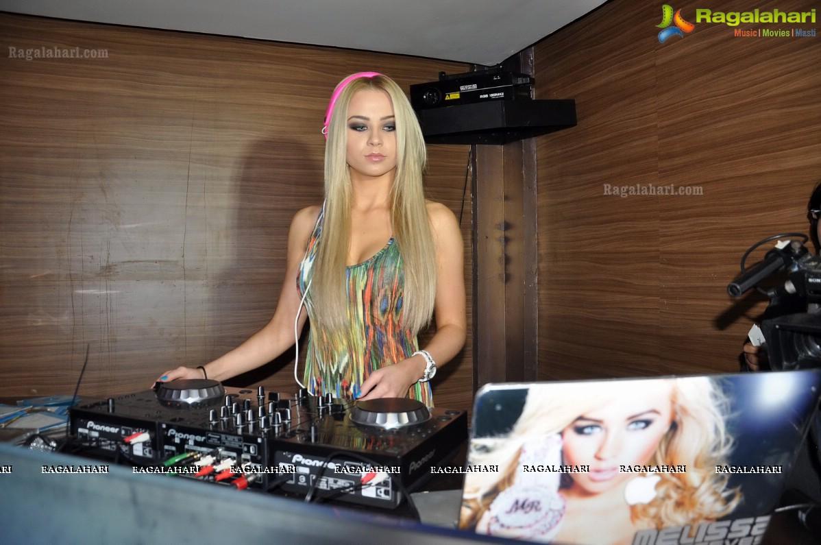 DJ Melissa Reeves Nude Photos 78