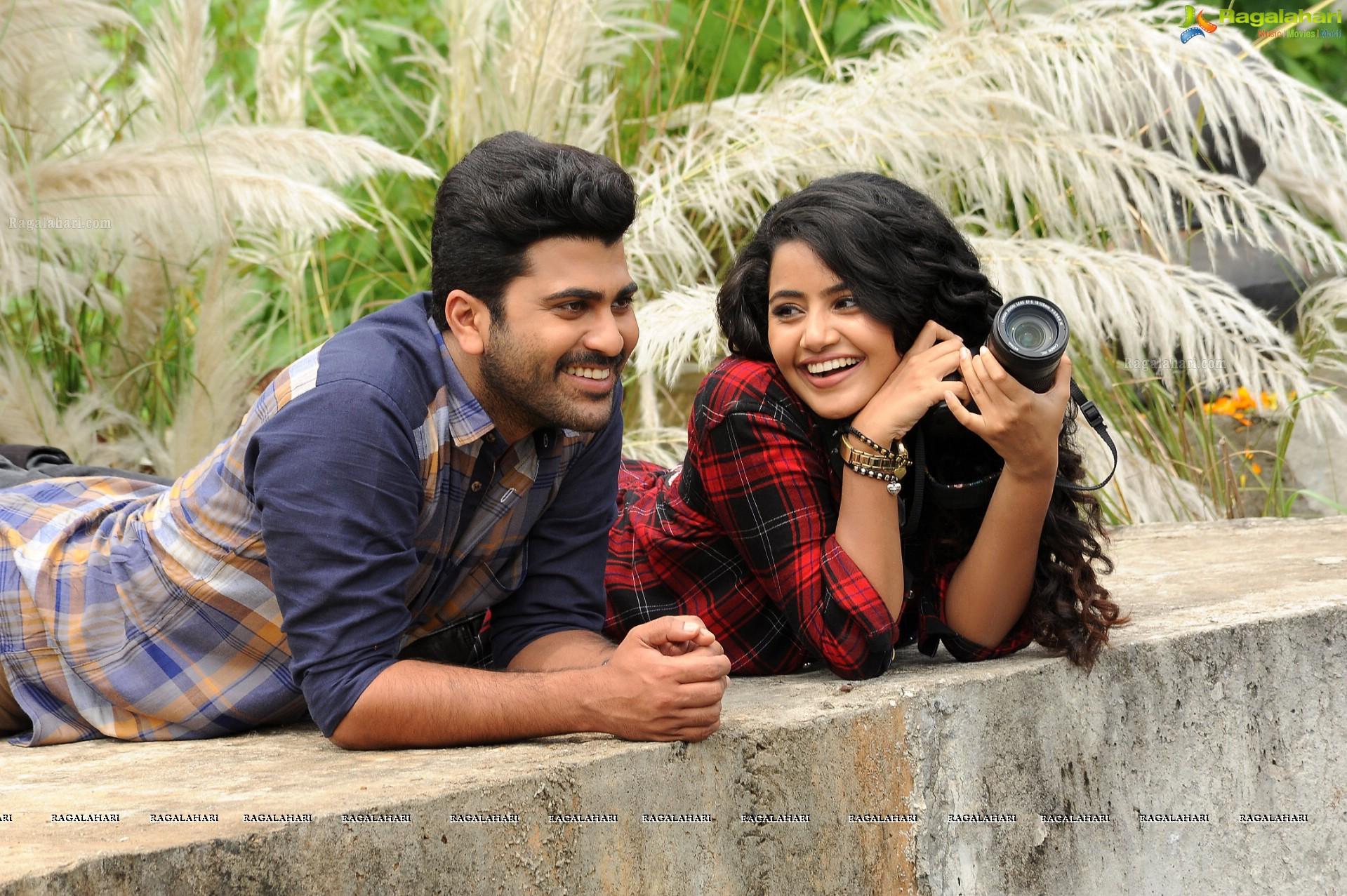 Shatamanam Bhavati Hd Movie Gallery Sharwanand Anupama Parameswaran