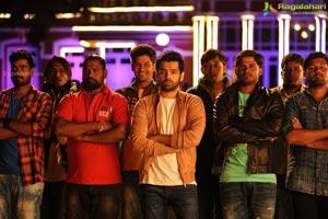Vunnadhi Okate Zindagi Telugu Cinema Stills