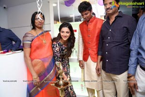 Mehreen Kaur Pirzada Naturals Hair and Beauty Salon