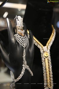 Diva Galleria - An Exhibition of Luxurious Diamond & Temple