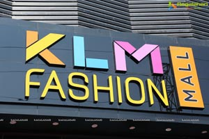 KLM Fashion Mall Launched by Payal Rajput-Karthikeya-Kaushal