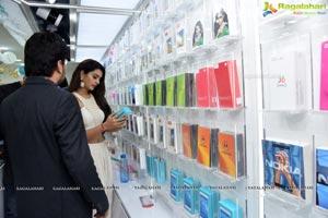 Payal Rajput launches Celekt Mobile Store