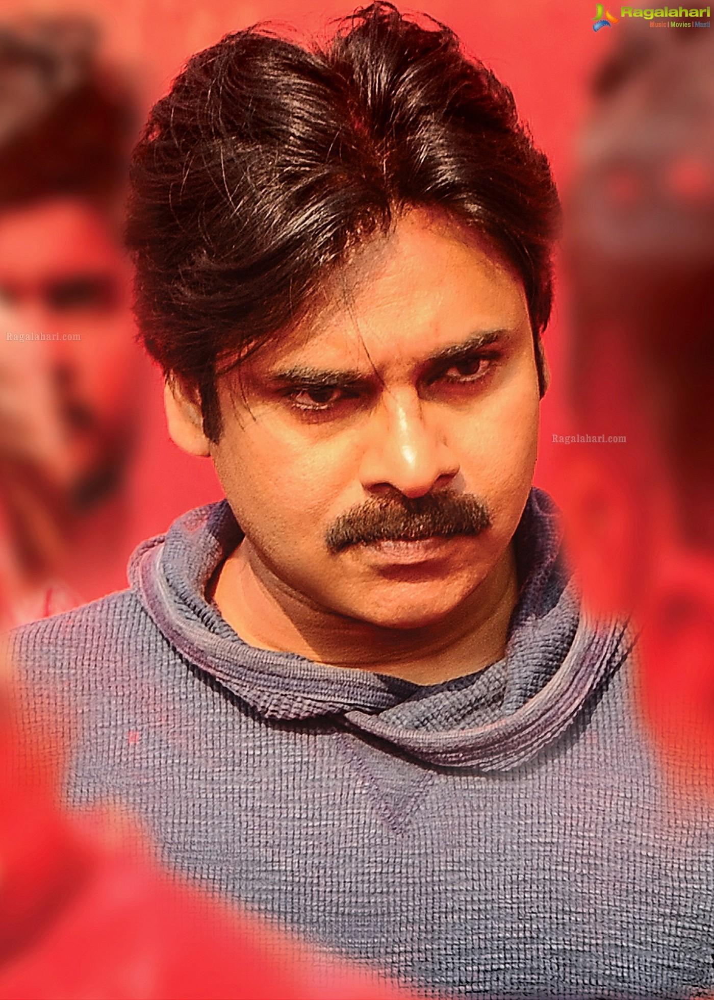 pawan kalyan's 25th movie agnyaathavaasi high definition movie stills