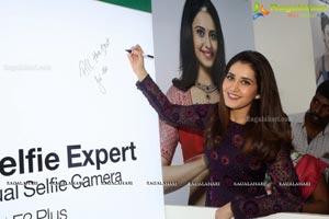 Raashi Khanna Big C Mobile Store